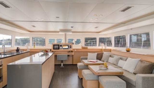 Tiger Lily Charter Yacht - 7