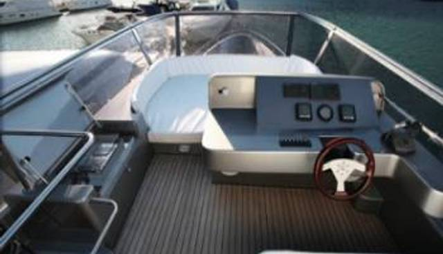 Just She Charter Yacht - 5