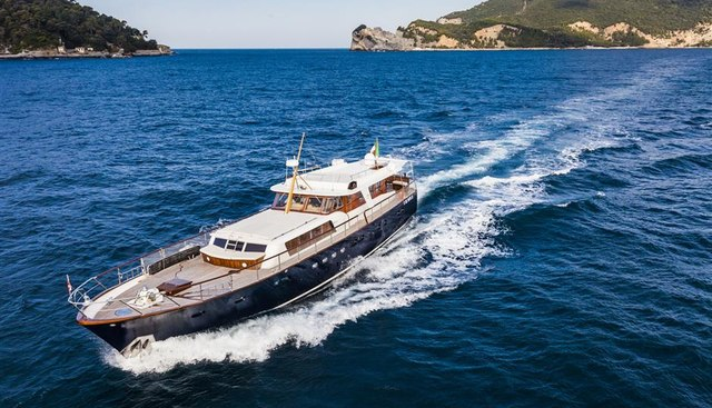 Caravelle Charter Yacht - 7