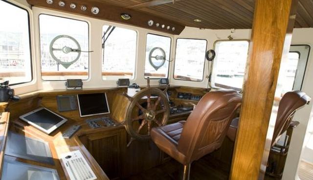 Catriel Charter Yacht - 7