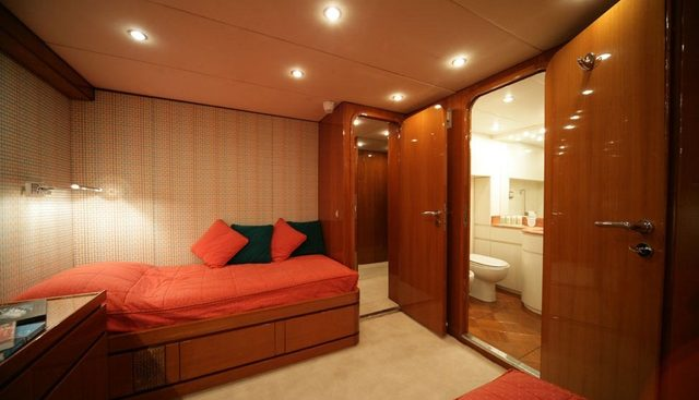 South Paw C Charter Yacht - 8