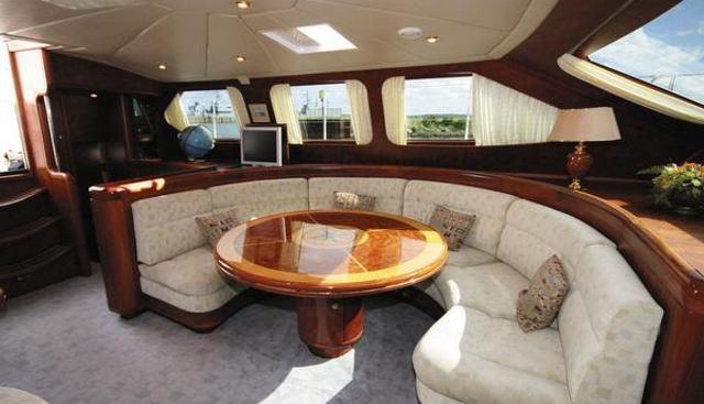 Vita Bella Charter Yacht - 3