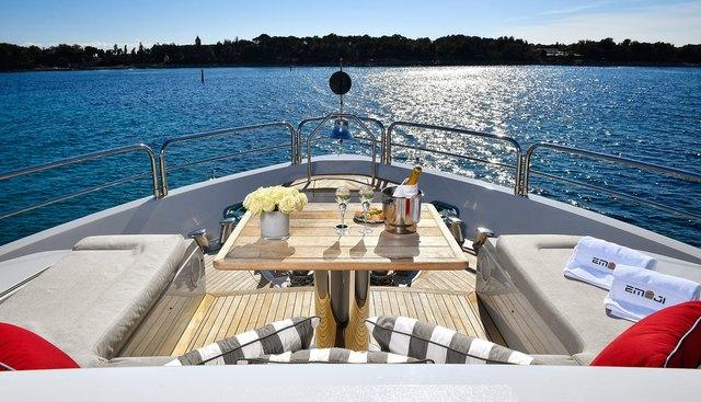Emoji Charter Yacht - 7