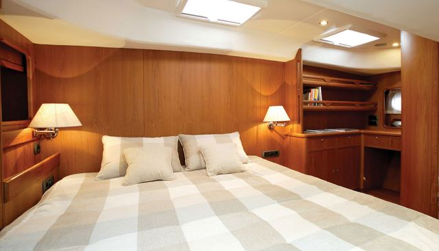 Caracola Too Charter Yacht - 3