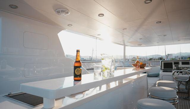 Seal Charter Yacht - 4