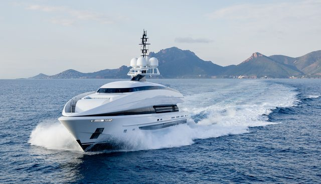 Crazy Me Charter Yacht - 6