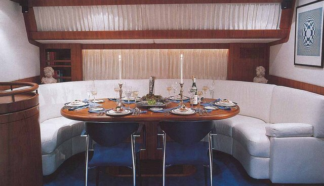 Azzura Charter Yacht - 7