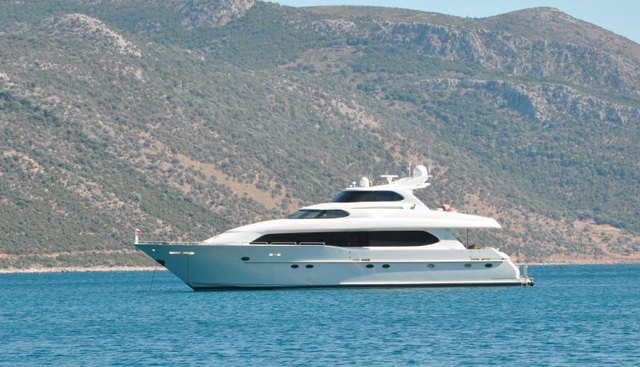 Suzanne Charter Yacht