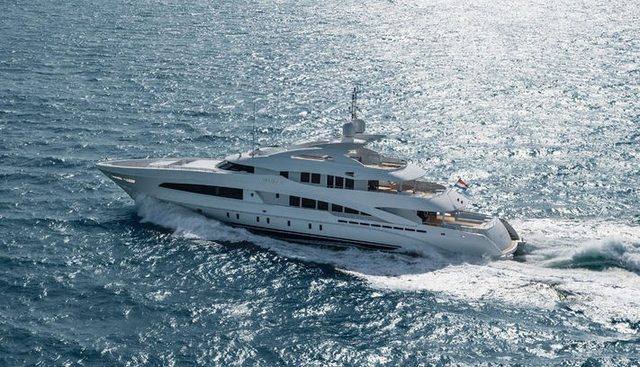 White Charter Yacht - 5
