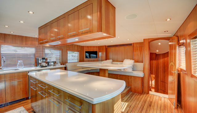 Avanti Charter Yacht - 8