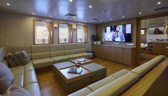 Dapple Charter Yacht - 7