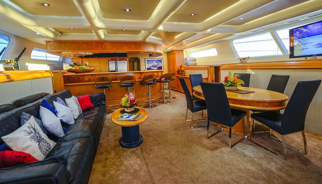 Ultimate Lady Charter Yacht - 7
