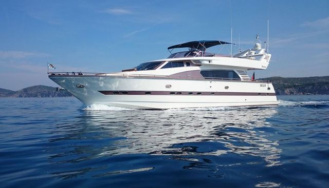 Csimbi Charter Yacht
