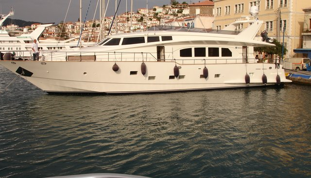 My Zoe Charter Yacht - 2
