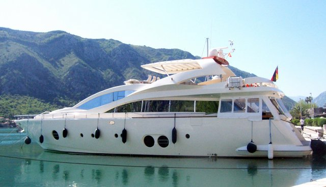 Comunque Vada Charter Yacht