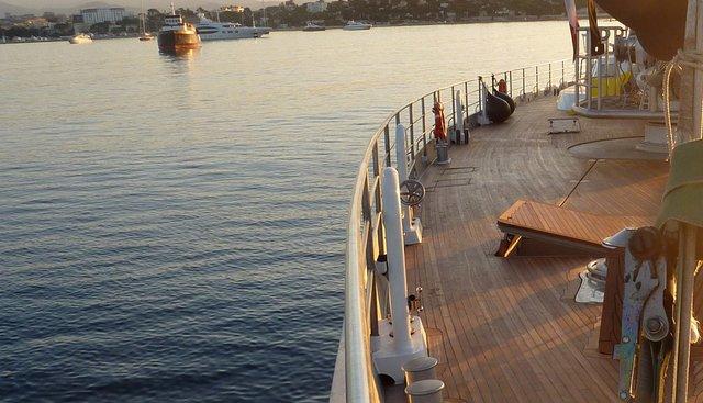 Dwinger Charter Yacht - 2