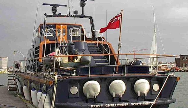 Brave Challenger Charter Yacht - 3