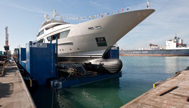 Pick Up Charter Yacht - 4