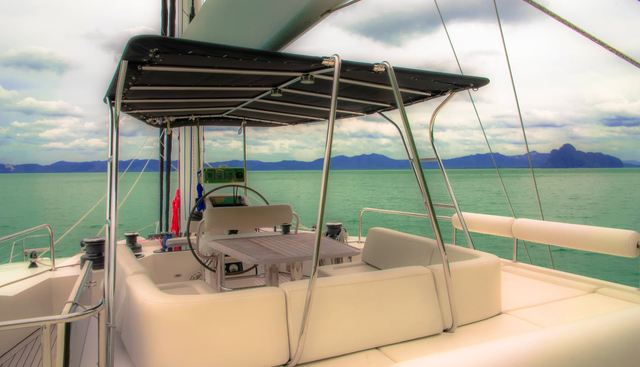 In The Wind Charter Yacht - 2