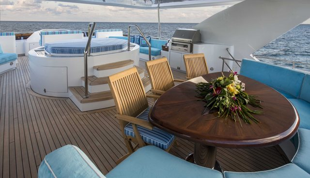 Lady Bee Charter Yacht - 4