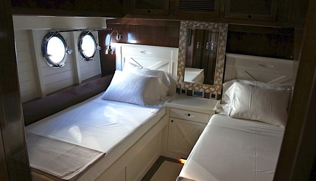 Larimar Charter Yacht - 3