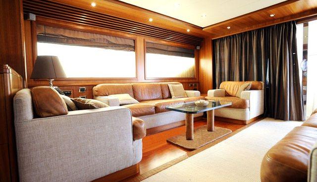 Happy Feet Charter Yacht - 4