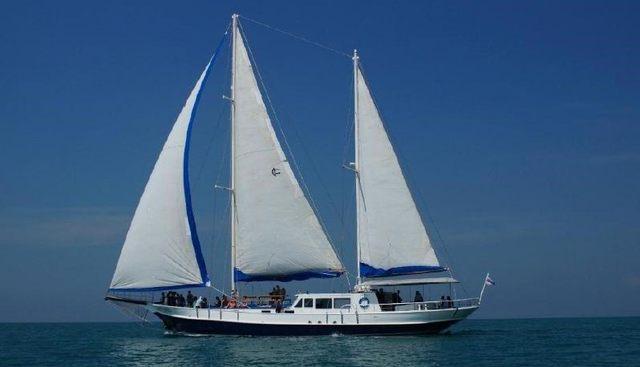 O'lina Charter Yacht