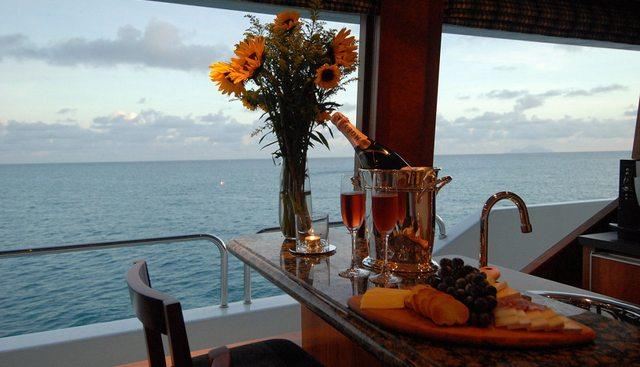 Dona Lola Charter Yacht - 7