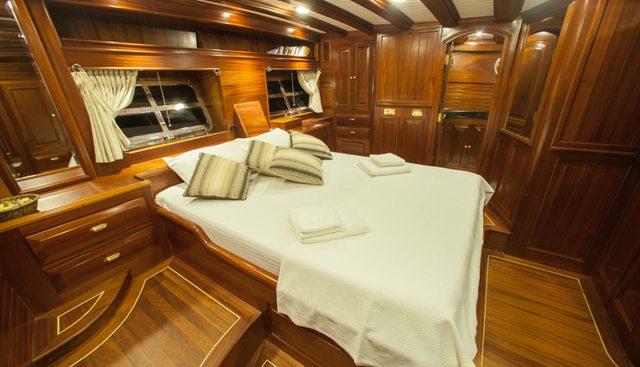 Clarissa Charter Yacht - 8