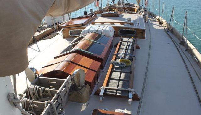 Irondequoit II Charter Yacht - 3