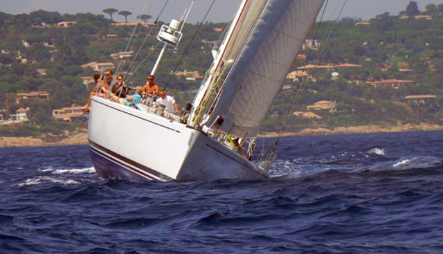 Plis Play Charter Yacht - 4