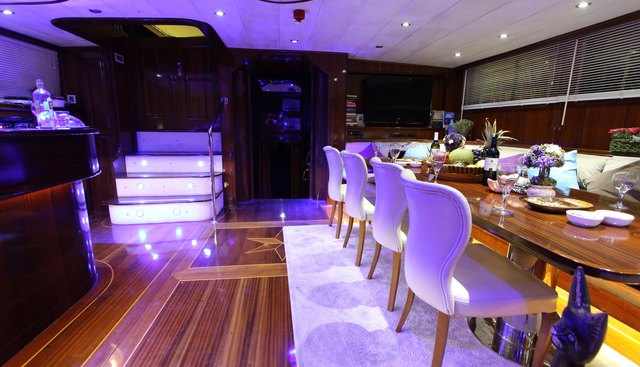 Dear Lila Charter Yacht - 8