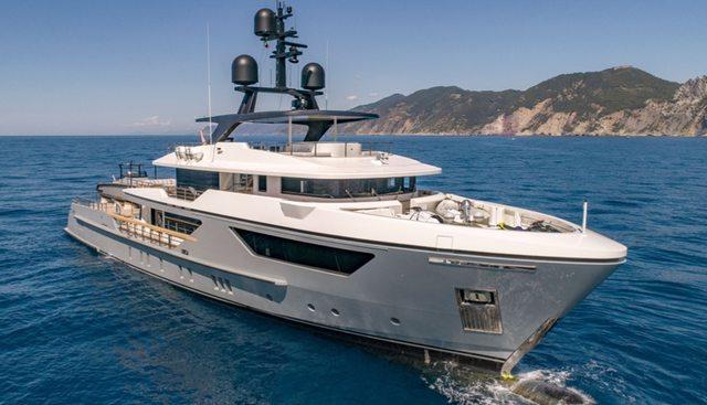 Drifter W Charter Yacht