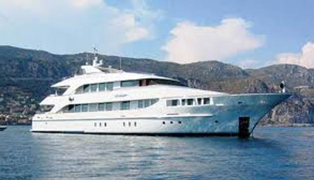 Happy T Charter Yacht - 2
