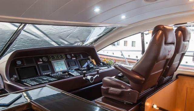 Ultima Beach Charter Yacht - 7