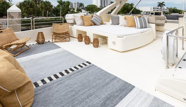 La Pace Charter Yacht - 2