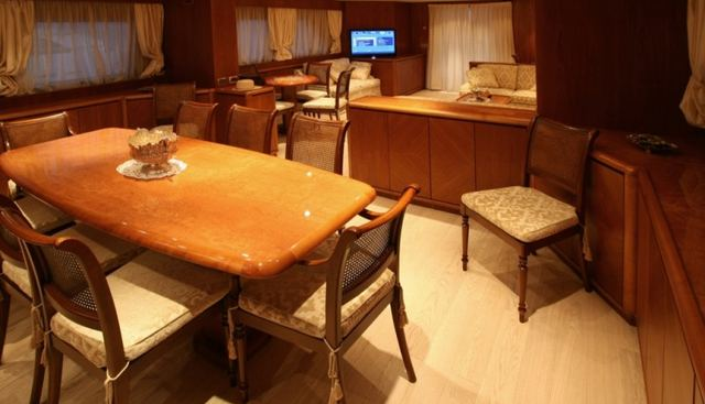 L'Instant IV Charter Yacht - 5