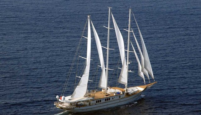 The Langley Charter Yacht - 3