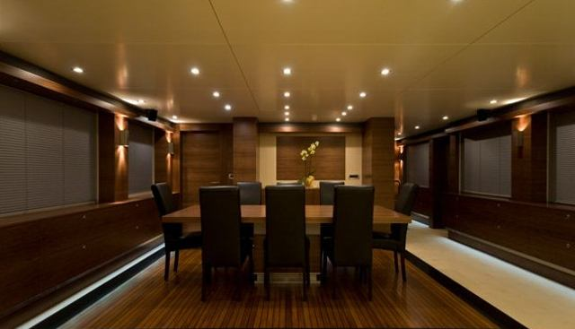 Mr Mouse Charter Yacht - 4