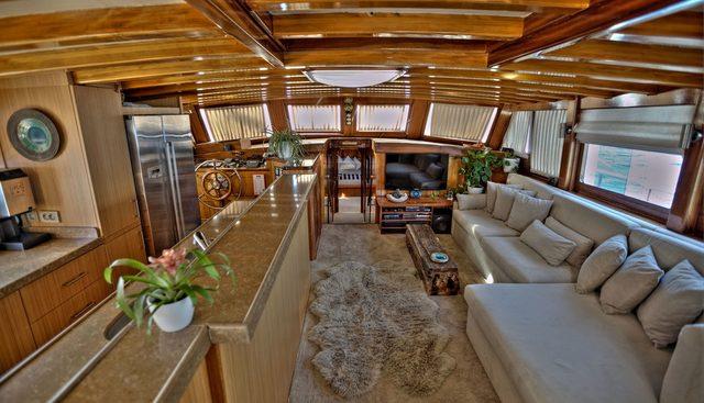 Lady Elizabeth Charter Yacht - 8