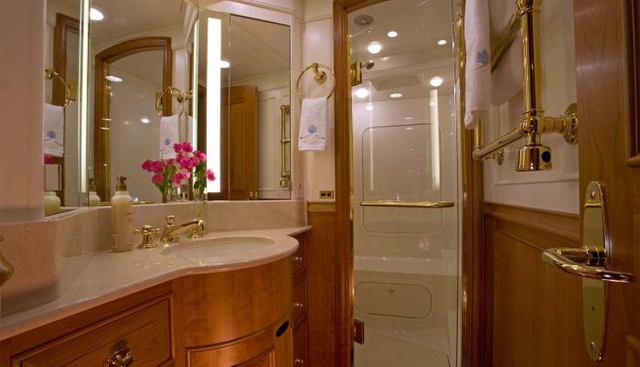 Delta House Charter Yacht - 4