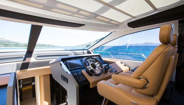 Toffee Crisp Charter Yacht - 8