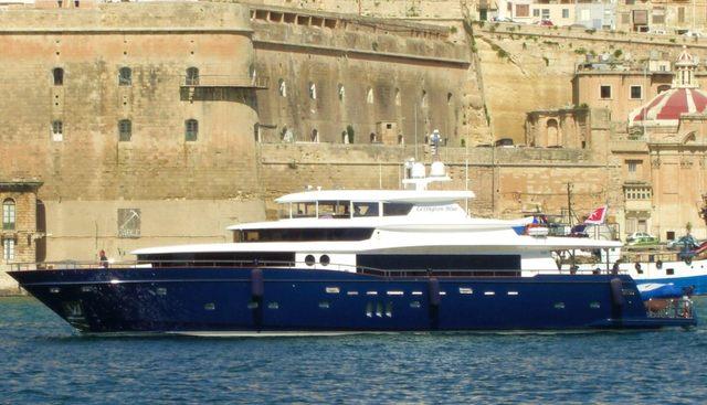 Escapade Q Charter Yacht