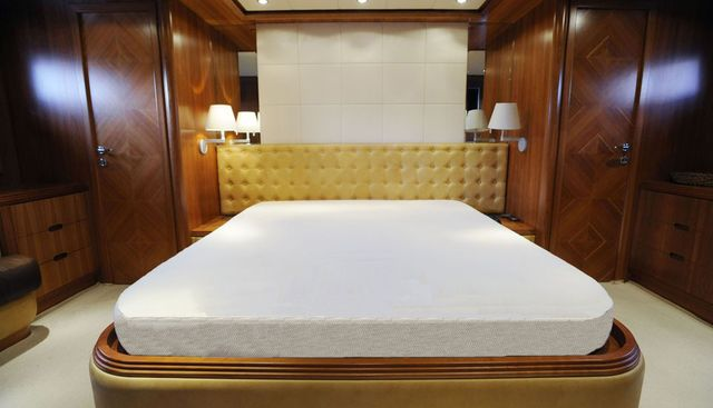 Happy Feet Charter Yacht - 8