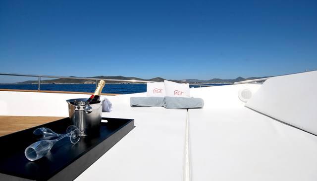 Figi Charter Yacht - 2