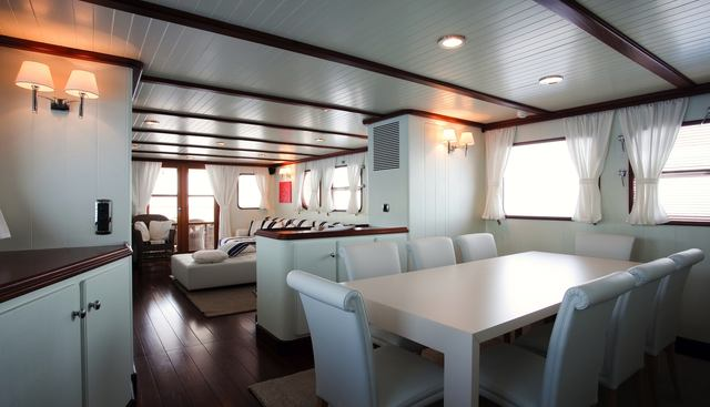 Persuader Charter Yacht - 6