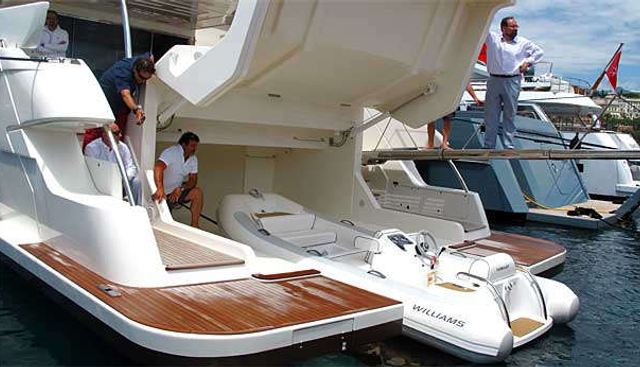 In Too Deep Charter Yacht - 6