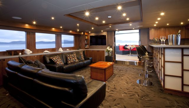 Pacific HQ Charter Yacht - 6