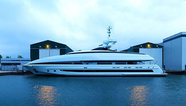 Crazy Me Charter Yacht