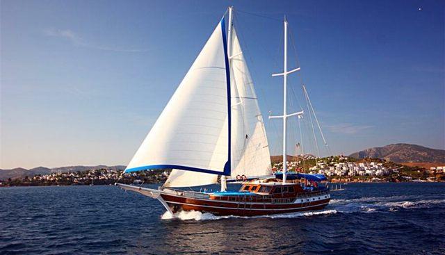 Blue Cruise Charter Yacht
